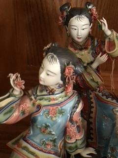Collectible Geisha girls very detailed porcelain figurines