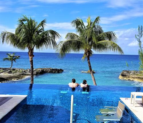 Chillin in Grand Cayman