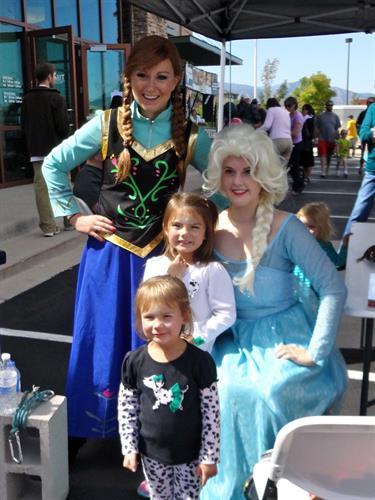 Frozen princesses at Free Community Carnival