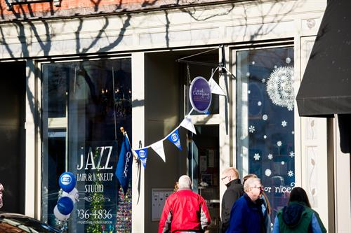 Gallery Image Alexandra-Elise-Photography-Ali-Reed-Gaffer-District-Small-Business-Saturday-019.jpg