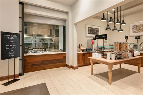 Gallery Image Breakfast_Area_-_Omelet_Chef_-_1286161.jpg