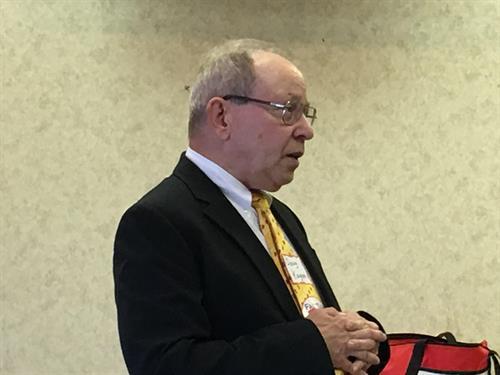 Nebraska legislator Doug Kagan addressing FAIRtax monthly meeting in Omaha