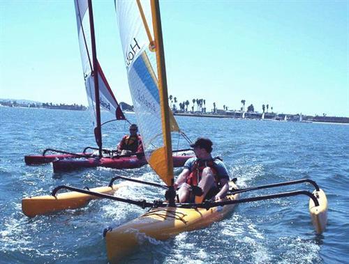 Hobie Tandem Islander sailing