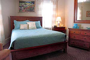 Carriage House - Cuntry Inn Suite #25