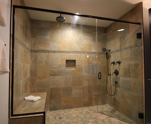 Gallery Image room415shower.jpg