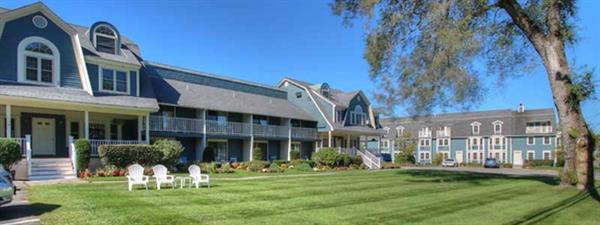 Seacastles Resort Inn & Suites