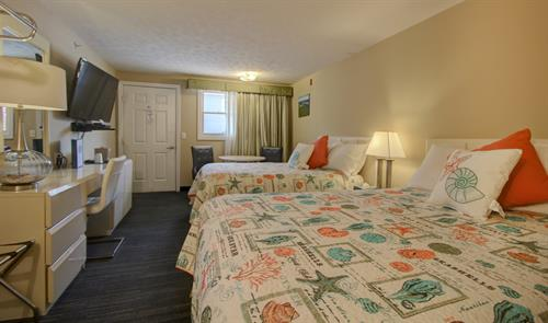 Upgraded 2 Bedroom Family Suite, Main Room