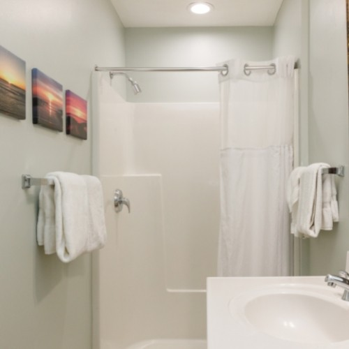 Bathroom in the White Rose