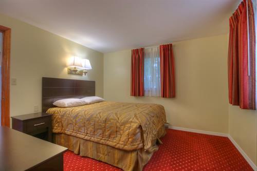 Gallery Image 8bedroom2.jpg