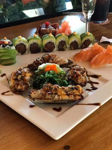 Gallery Image sushi_1.jpg