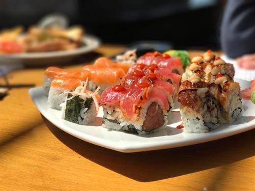 Gallery Image sushi_3.jpg