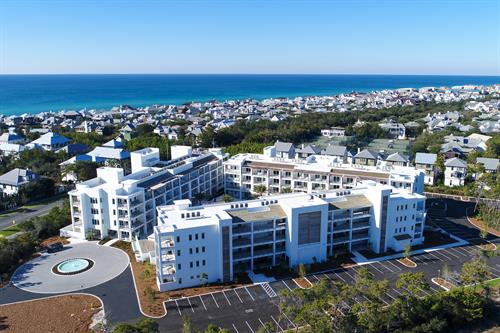 Located steps from Rosemary Beach, just across from the shops and dining of 30Avenue