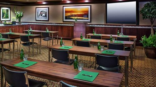 Our Lake Crescent meeting room is perfect for corporate meetings or family gatherings.