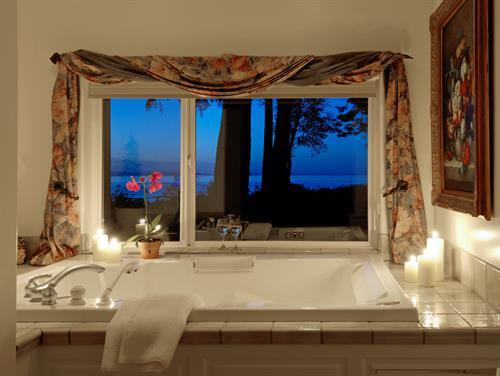 Indulgent Jacuzzi Spas for Two