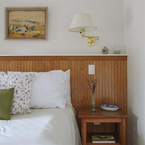 Gallery Image Emerald_Valley_Inn_-_Pine_Room_Nightstand_-_Square.jpg