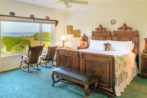Exquisite antique furnishings and amazing ocean views