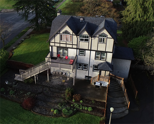 Aerial view of rear exterior of Maitland Manor B&B