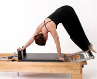 We offer private/semi-private pilates sessions and mat classes.