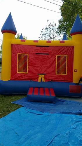 Bounce castle 16'x16' can add banners for extra'