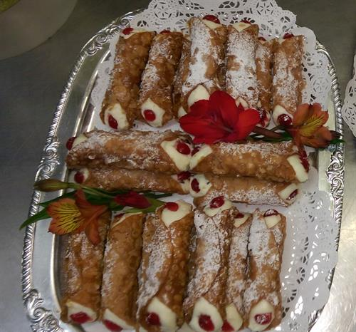 Traditional Italian Cannoli