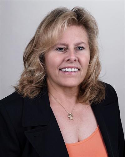 Ruth Gillis, LMFT | Certified EMDR Therapist | Certified EDMR Consultant