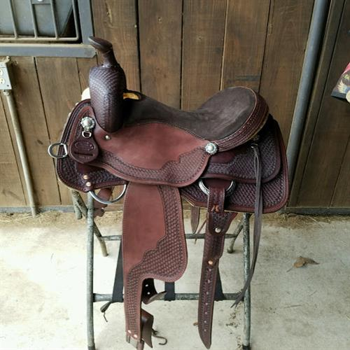 Right Fit Custom saddles are built on the tree that fits your horse and the leather is designed to maximize the comfort of both the horse and rider. Did you know that the best fitting tree can be ruined by the leather design of the saddle?