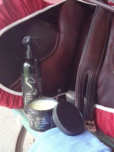 Eucalyptus Cleaner and Conditioner with Hunter/Jumper Saddle