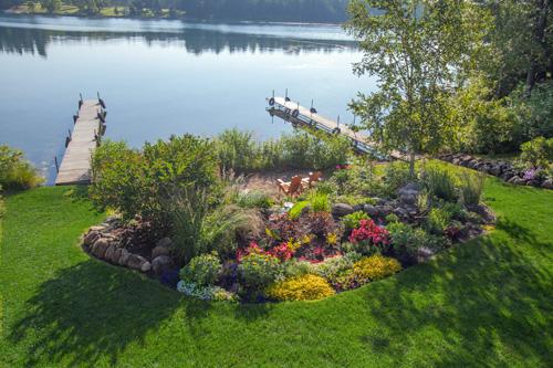Gallery Image Lake_Gardens_at_Half_Moon_Trail_Resort.jpg