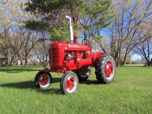 2017 raffle tractor - Farmall A