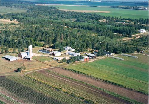 Gallery Image 2001_aerial_view_of_farm.jpg