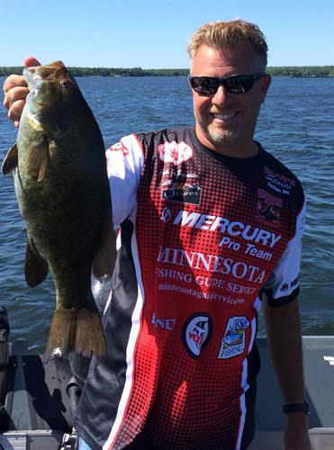 Gallery Image smallmouth_me_jersey_full_size.jpg