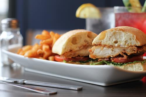 Gallery Image IMG_7234_Walleye_BLT_side.jpg