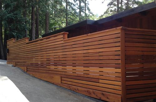 Front Horizontal Wood Fence Enclosure