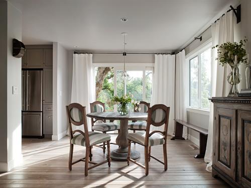 Gallery Image Napa_Rental_Maisonnette_Dining_Room.jpg
