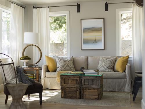 Gallery Image Napa_Rental_Maisonnette_Living_Room.jpg