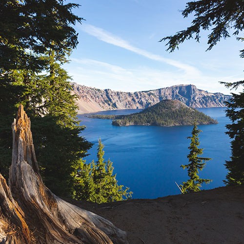Crater Lake National Park gazing upon Wizard Island