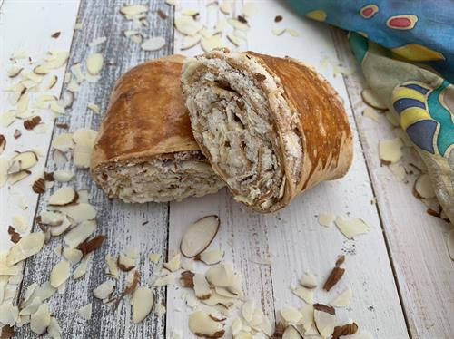 Almond Pourie Rolls