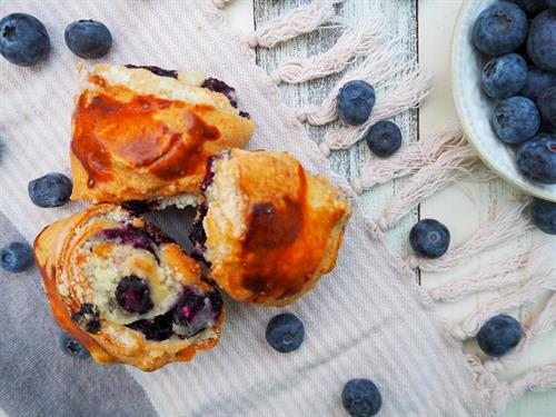 Blueberry Pourie Rolls