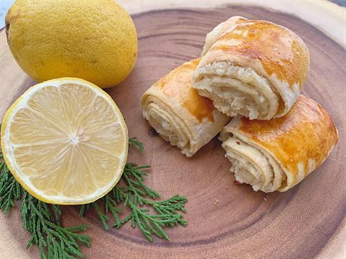 Lemon Pourie Rolls