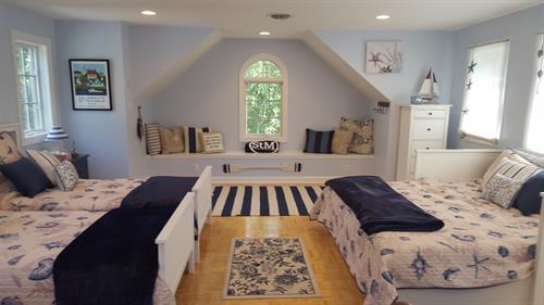 Gallery Image upstairs.jpg