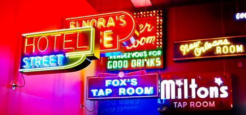 Gallery Image Neon_Signs.jpg