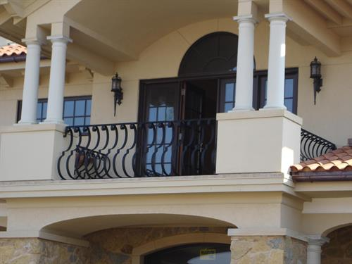 Gallery Image 33_Exterior_Belly_Rail.JPG