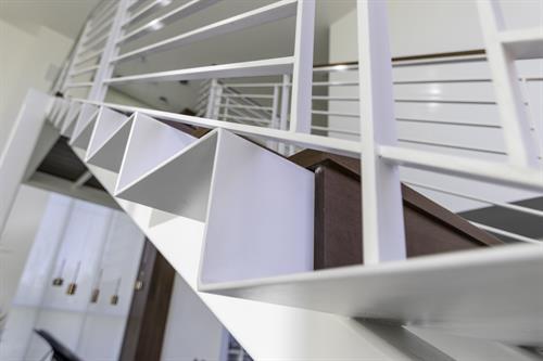 Gallery Image R-Staircase-0151.jpg