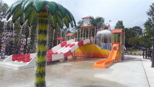 LeeKee Lagoon Spray Pad