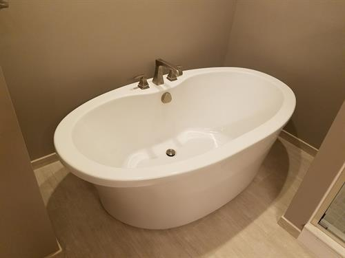 Luxury Bath with Soaker Tub