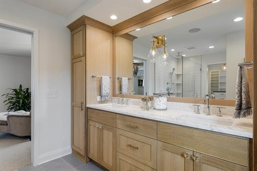 Oakdale Master Bathroom