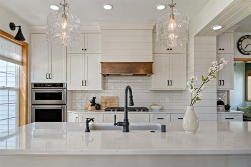 Gallery Image Benson_kitchen_sink.jpg
