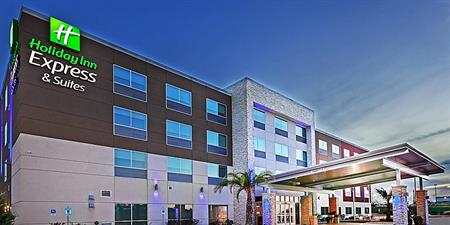 Holiday Inn Express Hotel & Suites 'Formula Blue