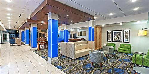 Gallery Image holiday-inn-express-and-suites-brenham-4.jpg