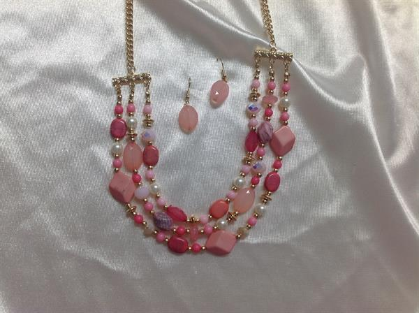 "22"" 3 Strand Pink & Gold Necklace & Earring Set.  $7.00"